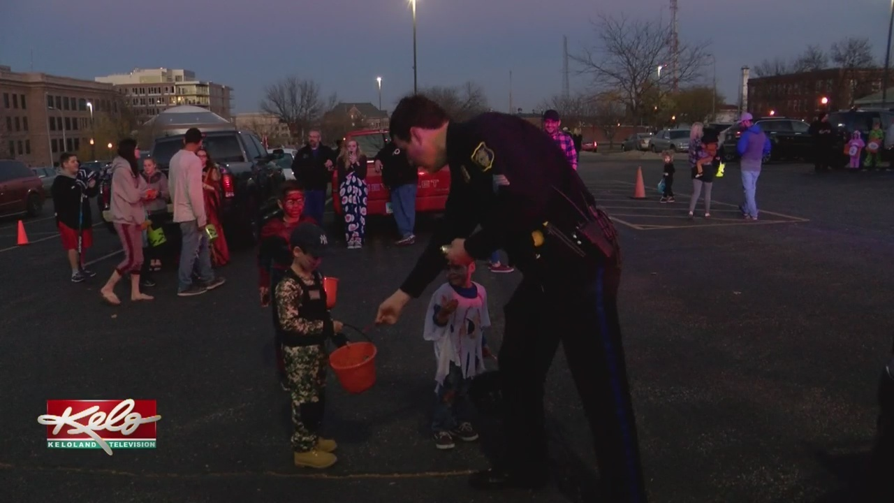halloween through the eyes of sioux falls police