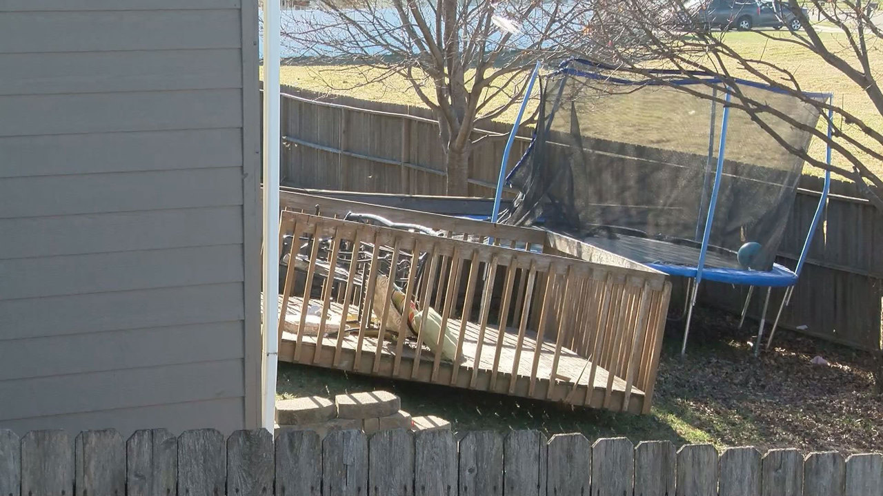Keloland Auto Mall >> Three Injured When Deck Collapses Near Kenny Anderson Park